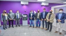 El gobernador Quintela inauguró remodelación del Banco Rioja en Olta y el Paseo Municipal